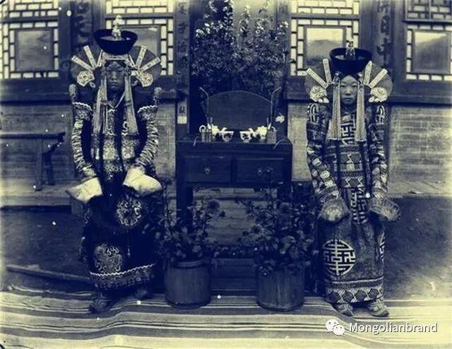 老照片:见证百年前蒙古女性(组图) 第33张 老照片:见证百年前蒙古女性(组图) 蒙古文化