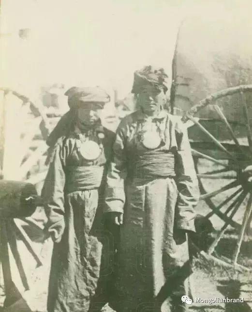 老照片:见证百年前蒙古女性(组图) 第34张 老照片:见证百年前蒙古女性(组图) 蒙古文化