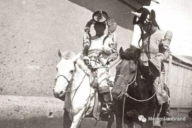 老照片:见证百年前蒙古女性(组图) 第40张 老照片:见证百年前蒙古女性(组图) 蒙古文化