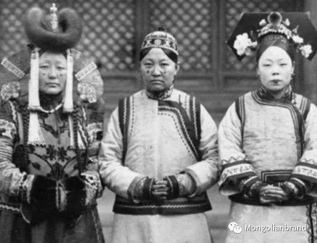老照片:见证百年前蒙古女性(组图) 第44张 老照片:见证百年前蒙古女性(组图) 蒙古文化
