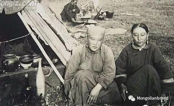 老照片:见证百年前蒙古女性(组图) 第49张 老照片:见证百年前蒙古女性(组图) 蒙古文化