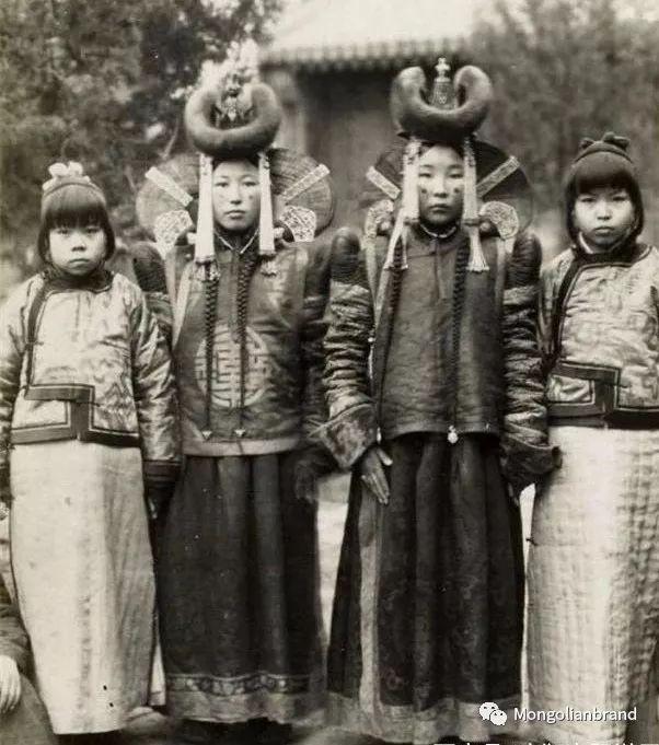 老照片:见证百年前蒙古女性(组图) 第47张 老照片:见证百年前蒙古女性(组图) 蒙古文化