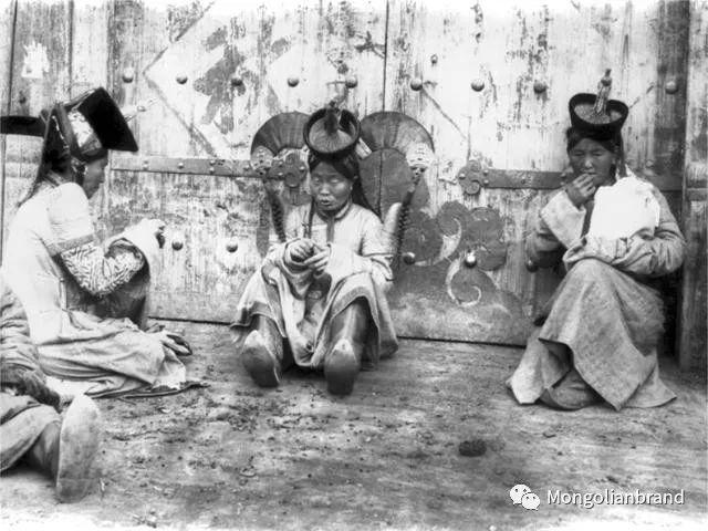 老照片:见证百年前蒙古女性(组图) 第51张 老照片:见证百年前蒙古女性(组图) 蒙古文化