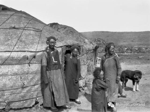 老照片:见证百年前蒙古女性(组图) 第53张 老照片:见证百年前蒙古女性(组图) 蒙古文化