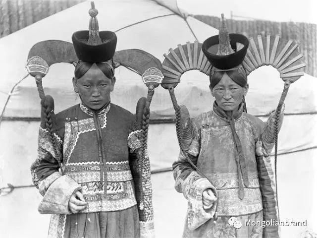老照片:见证百年前蒙古女性(组图) 第54张 老照片:见证百年前蒙古女性(组图) 蒙古文化