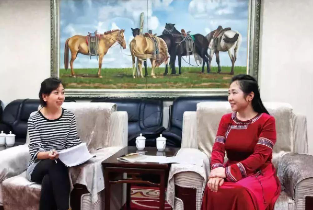引领蒙医药事业迈向国际的蒙古女人 第4张