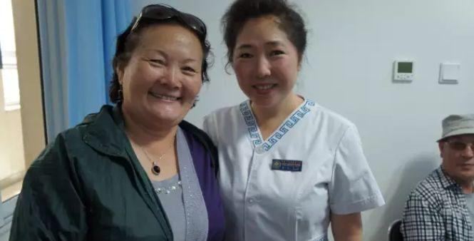 引领蒙医药事业迈向国际的蒙古女人 第5张