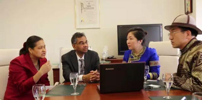 引领蒙医药事业迈向国际的蒙古女人 第6张