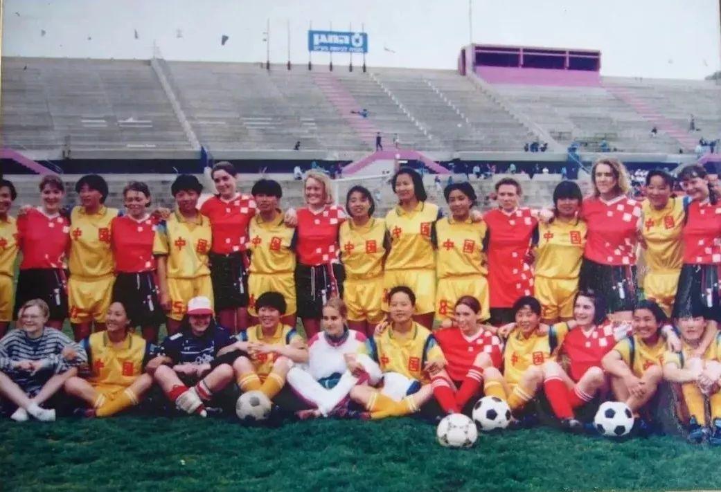 中国足球唯一荣获世界冠军的蒙古女子足球队 第2张