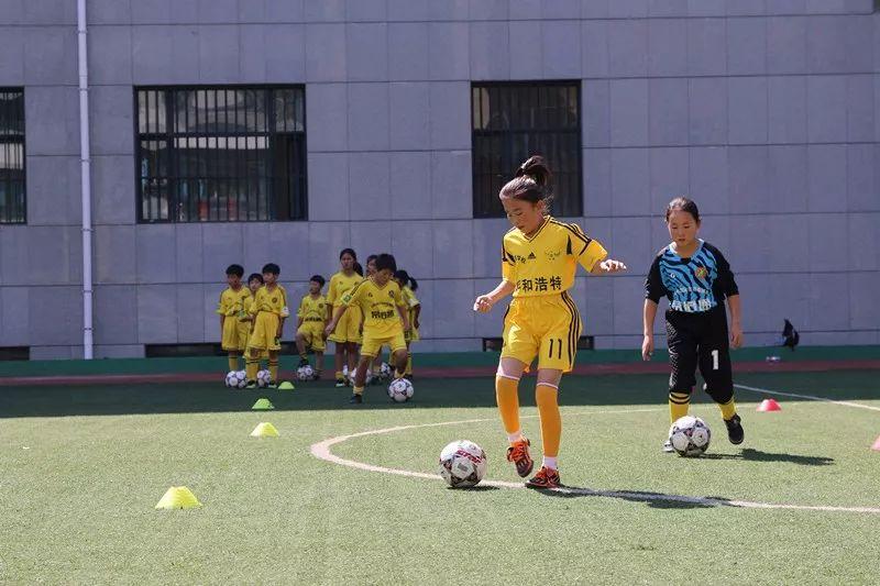 中国足球唯一荣获世界冠军的蒙古女子足球队 第7张