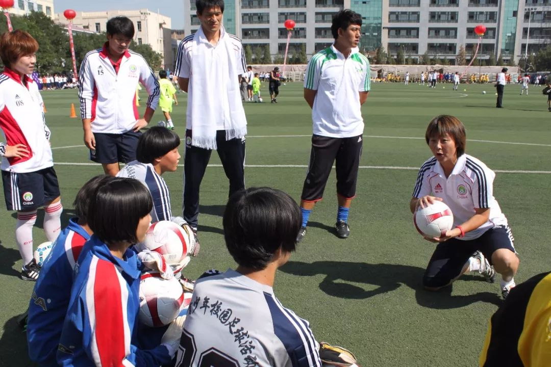 中国足球唯一荣获世界冠军的蒙古女子足球队 第10张