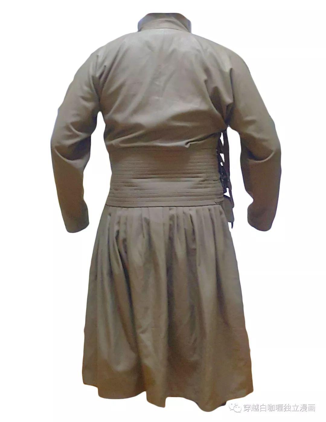 【蒙古文化】什么是蒙古袍? ᠳᠡᠪᠡᠯᠤᠨ ᠲᠤᠬᠠᠢ 第6张 【蒙古文化】什么是蒙古袍? ᠳᠡᠪᠡᠯᠤᠨ ᠲᠤᠬᠠᠢ 蒙古服饰