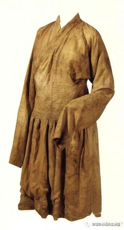 【蒙古文化】什么是蒙古袍? ᠳᠡᠪᠡᠯᠤᠨ ᠲᠤᠬᠠᠢ 第8张 【蒙古文化】什么是蒙古袍? ᠳᠡᠪᠡᠯᠤᠨ ᠲᠤᠬᠠᠢ 蒙古服饰