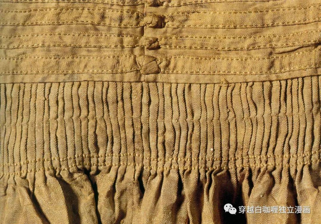 【蒙古文化】什么是蒙古袍? ᠳᠡᠪᠡᠯᠤᠨ ᠲᠤᠬᠠᠢ 第9张 【蒙古文化】什么是蒙古袍? ᠳᠡᠪᠡᠯᠤᠨ ᠲᠤᠬᠠᠢ 蒙古服饰