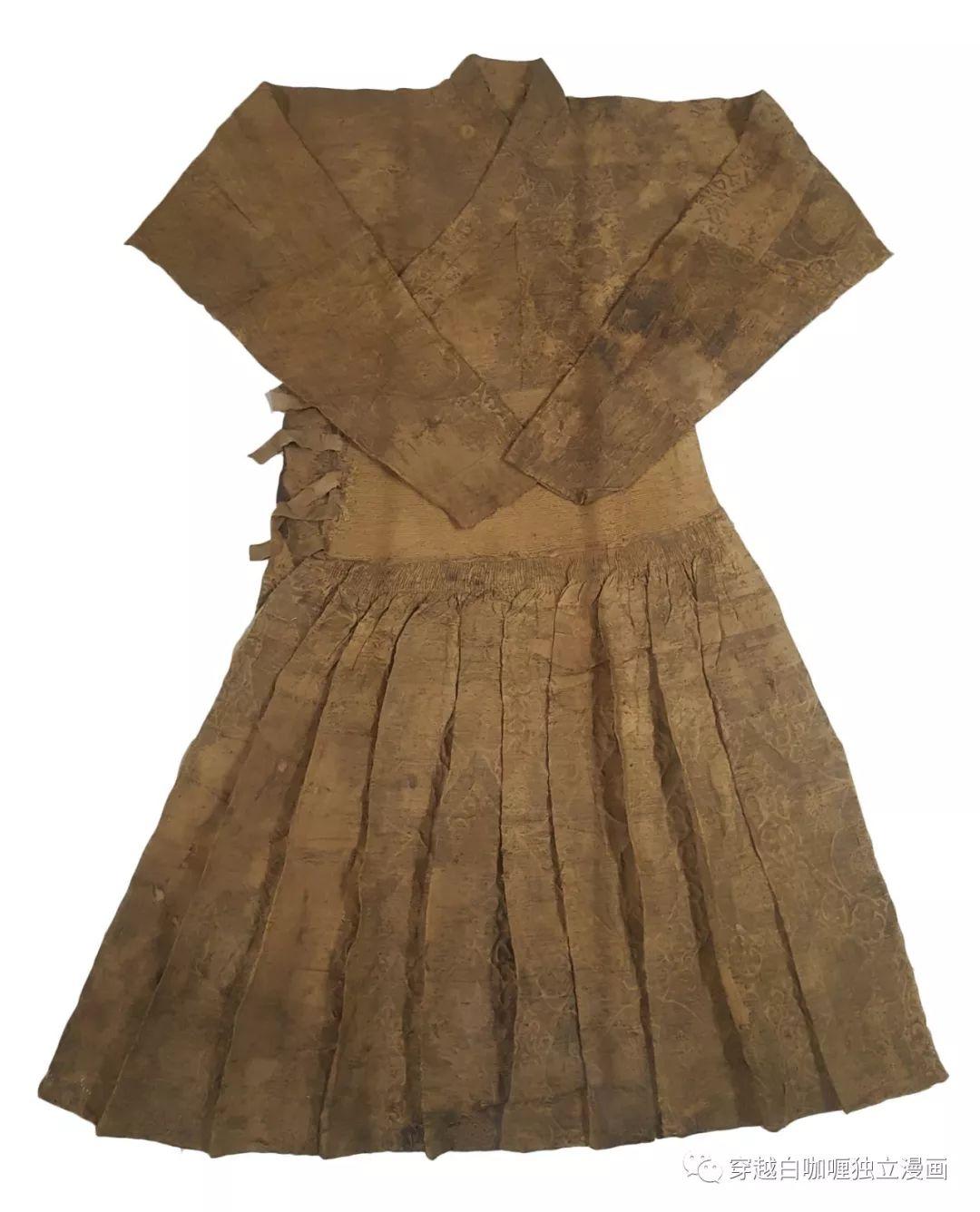 【蒙古文化】什么是蒙古袍? ᠳᠡᠪᠡᠯᠤᠨ ᠲᠤᠬᠠᠢ 第10张 【蒙古文化】什么是蒙古袍? ᠳᠡᠪᠡᠯᠤᠨ ᠲᠤᠬᠠᠢ 蒙古服饰