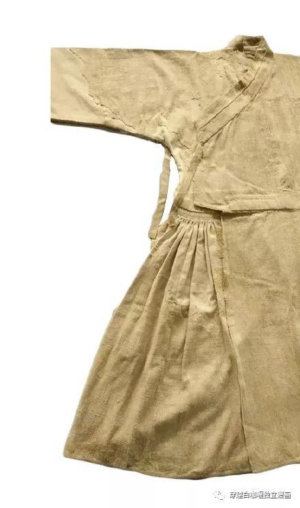 【蒙古文化】什么是蒙古袍? ᠳᠡᠪᠡᠯᠤᠨ ᠲᠤᠬᠠᠢ 第33张 【蒙古文化】什么是蒙古袍? ᠳᠡᠪᠡᠯᠤᠨ ᠲᠤᠬᠠᠢ 蒙古服饰