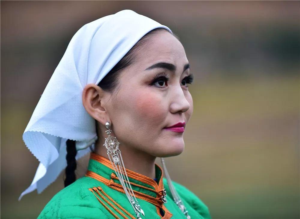 巴尔虎蒙古族服饰:那一抹惊艳犹如画中(Mongol) 第6张 巴尔虎蒙古族服饰:那一抹惊艳犹如画中(Mongol) 蒙古服饰