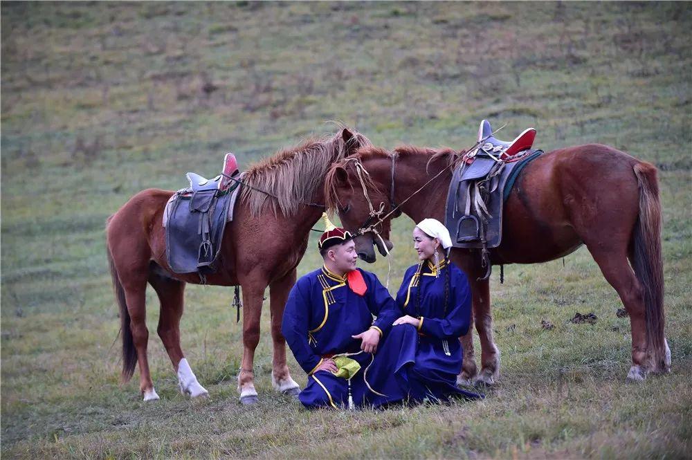 巴尔虎蒙古族服饰:那一抹惊艳犹如画中(Mongol) 第8张 巴尔虎蒙古族服饰:那一抹惊艳犹如画中(Mongol) 蒙古服饰