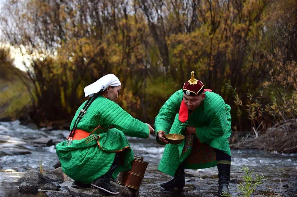 巴尔虎蒙古族服饰:那一抹惊艳犹如画中(Mongol) 第14张 巴尔虎蒙古族服饰:那一抹惊艳犹如画中(Mongol) 蒙古服饰