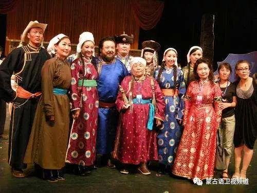 巴尔虎传统蒙古袍即将开启创世界吉尼斯纪录之旅 第10张