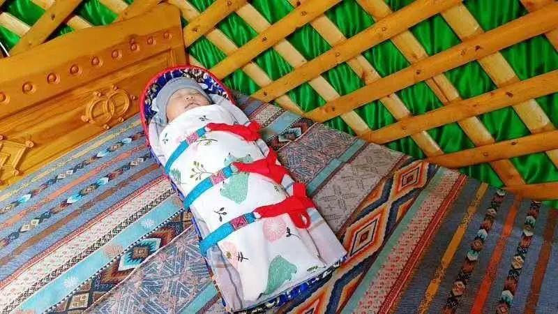 她做的巴尔虎传统摇篮真精致!(Mongol) 第7张 她做的巴尔虎传统摇篮真精致!(Mongol) 蒙古工艺