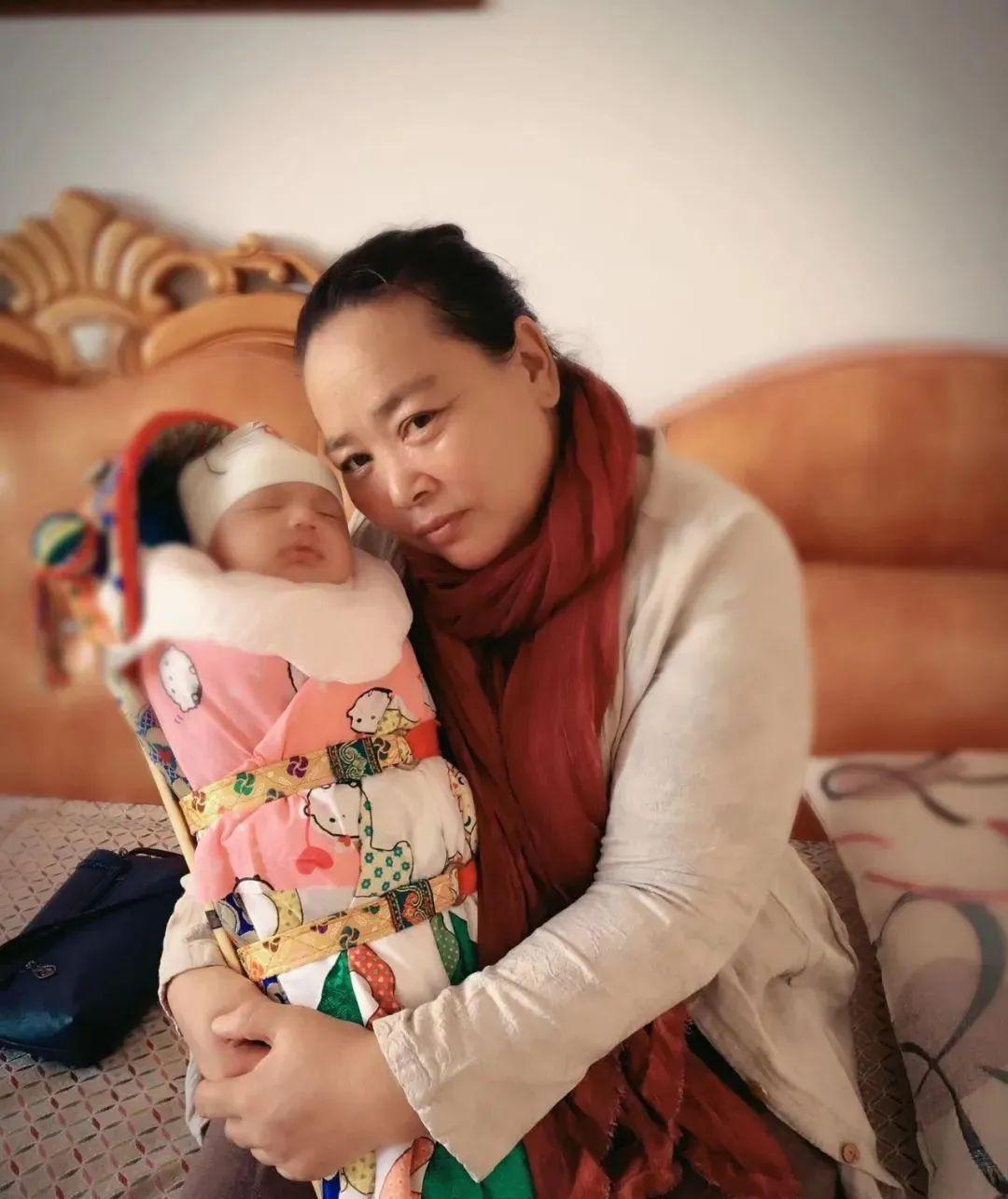 她做的巴尔虎传统摇篮真精致!(Mongol) 第16张