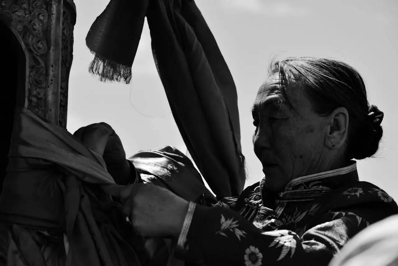【ANU美图】摄影师吉雅:传统蒙古族牧民黑白纪实作品欣赏 第2张 【ANU美图】摄影师吉雅:传统蒙古族牧民黑白纪实作品欣赏 蒙古文化