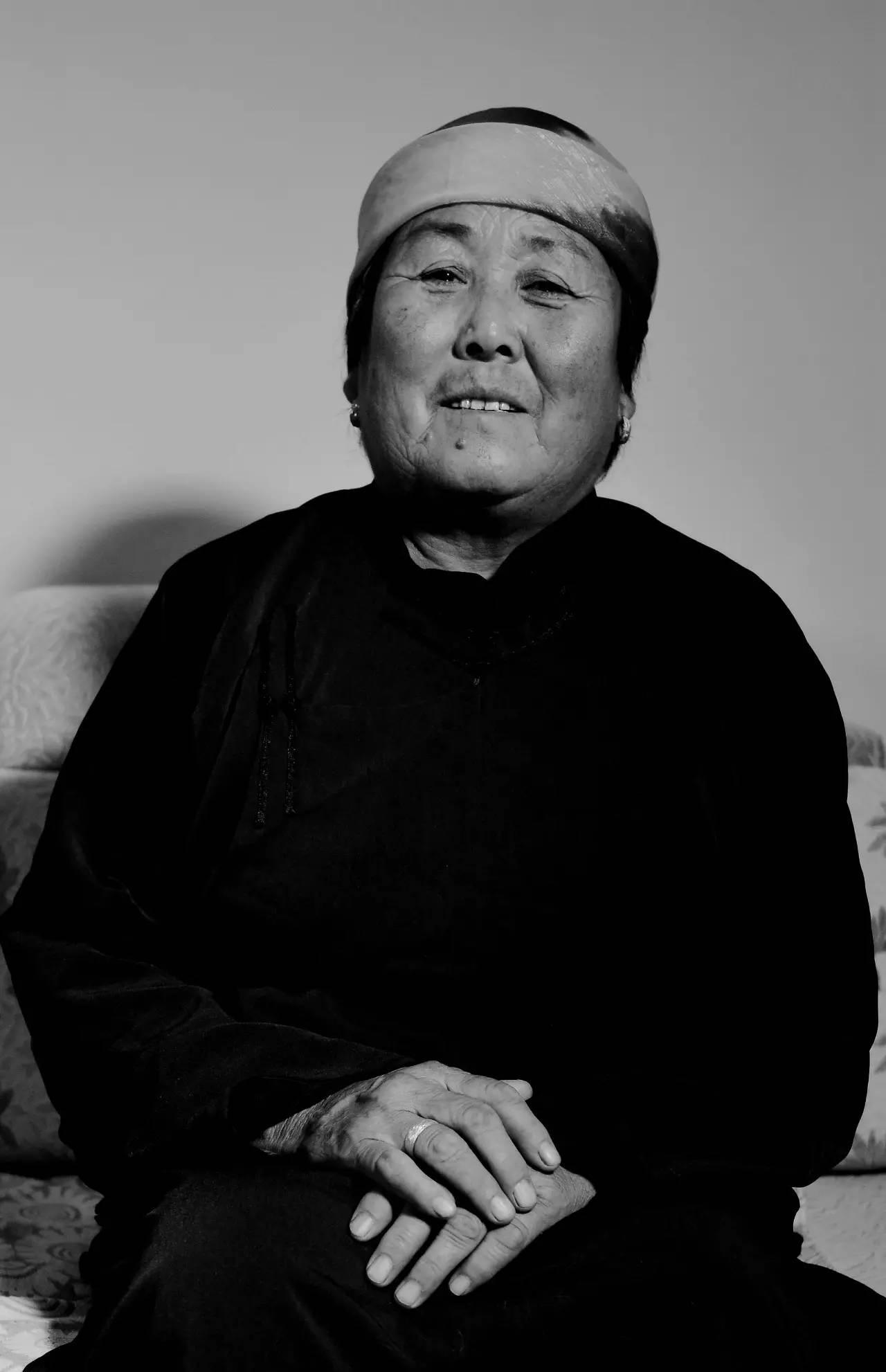 【ANU美图】摄影师吉雅:传统蒙古族牧民黑白纪实作品欣赏 第10张 【ANU美图】摄影师吉雅:传统蒙古族牧民黑白纪实作品欣赏 蒙古文化
