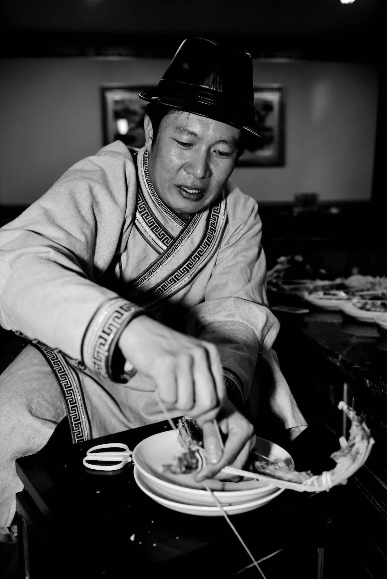 【ANU美图】摄影师吉雅:传统蒙古族牧民黑白纪实作品欣赏 第8张 【ANU美图】摄影师吉雅:传统蒙古族牧民黑白纪实作品欣赏 蒙古文化