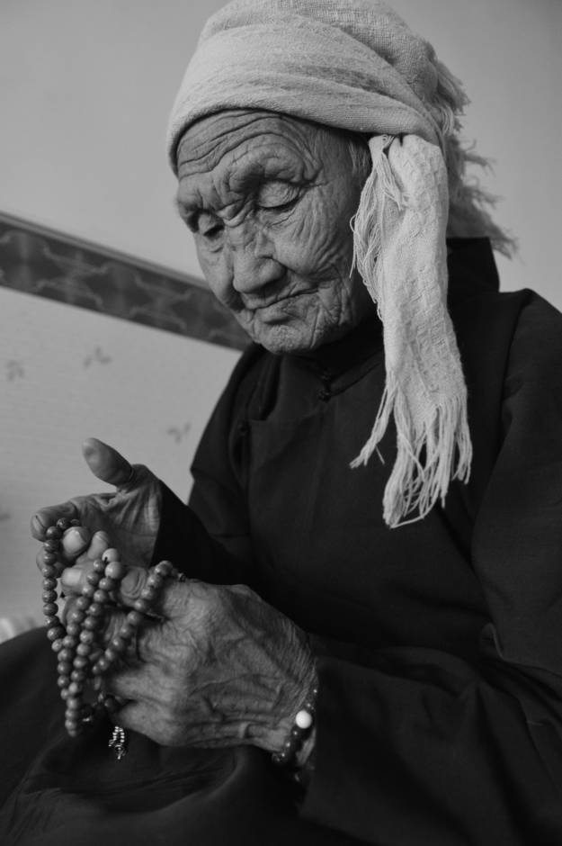 【ANU美图】摄影师吉雅:传统蒙古族牧民黑白纪实作品欣赏 第18张 【ANU美图】摄影师吉雅:传统蒙古族牧民黑白纪实作品欣赏 蒙古文化