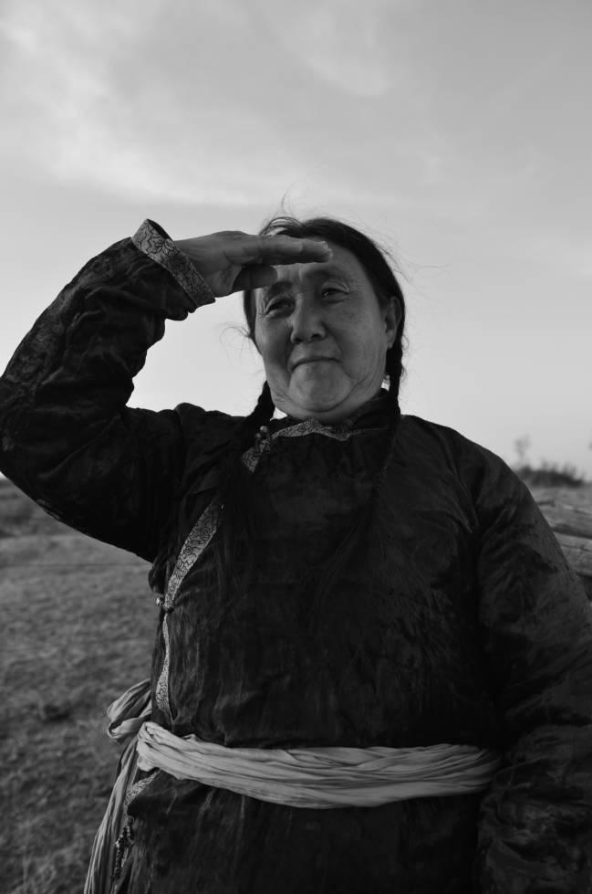 【ANU美图】摄影师吉雅:传统蒙古族牧民黑白纪实作品欣赏 第16张 【ANU美图】摄影师吉雅:传统蒙古族牧民黑白纪实作品欣赏 蒙古文化
