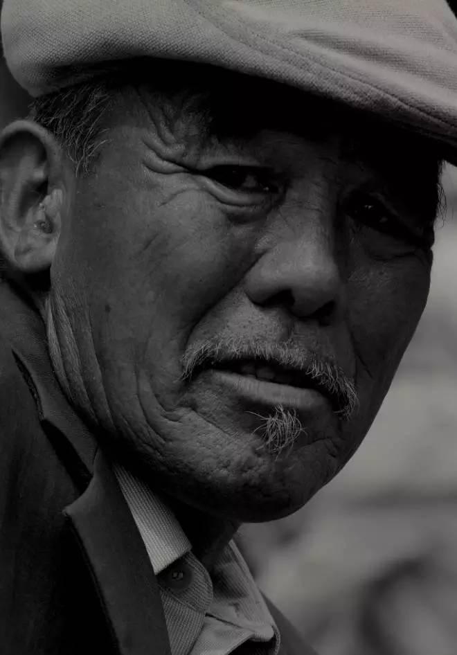 【ANU美图】摄影师吉雅:传统蒙古族牧民黑白纪实作品欣赏 第21张 【ANU美图】摄影师吉雅:传统蒙古族牧民黑白纪实作品欣赏 蒙古文化