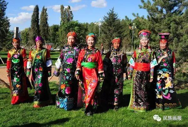 色彩|翁牛特旗蒙古族刺绣 第1张