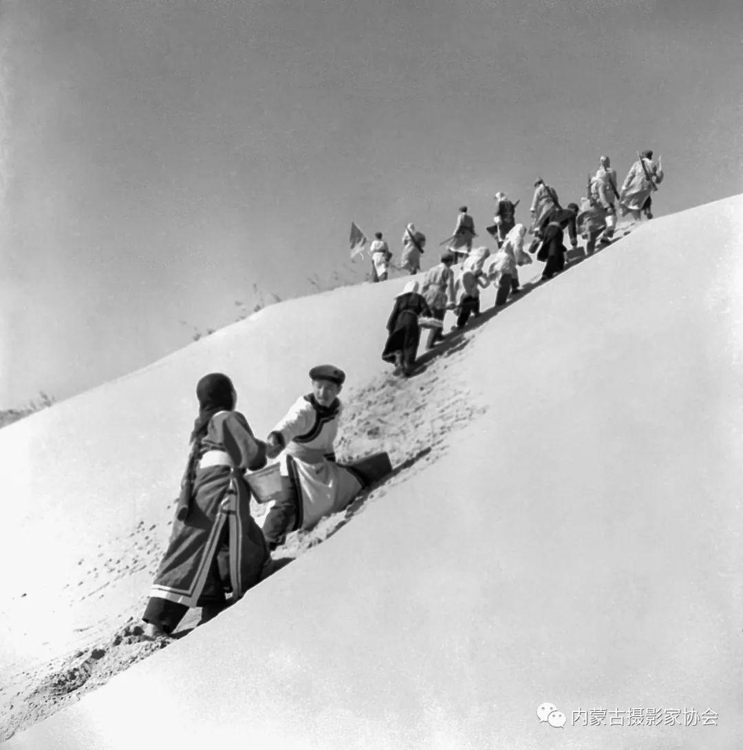 作品赏析丨内蒙古老摄影家岳枫镜头下的精彩瞬间 第15张 作品赏析丨内蒙古老摄影家岳枫镜头下的精彩瞬间 蒙古文化