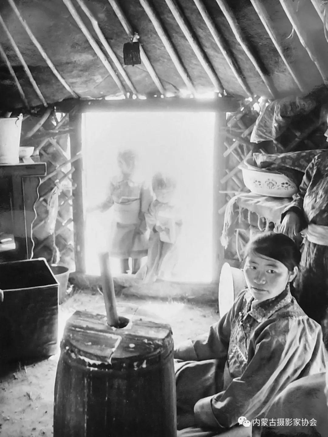作品赏析丨内蒙古老摄影家岳枫镜头下的精彩瞬间 第14张 作品赏析丨内蒙古老摄影家岳枫镜头下的精彩瞬间 蒙古文化
