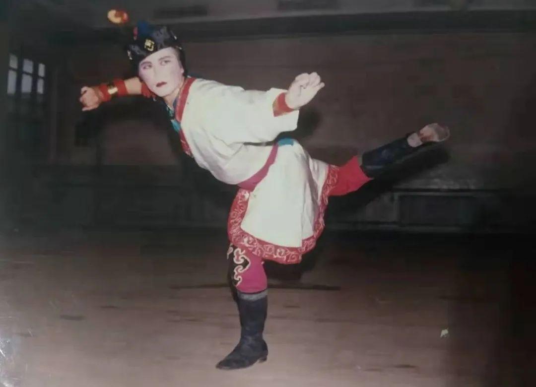 内蒙古舞蹈名家系列之——斯仍 第3张 内蒙古舞蹈名家系列之——斯仍 蒙古文化