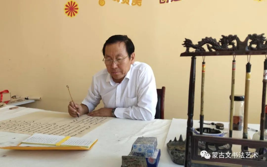 蒙古文书法社会应用展示-韩巴特 第1张 蒙古文书法社会应用展示-韩巴特 蒙古书法