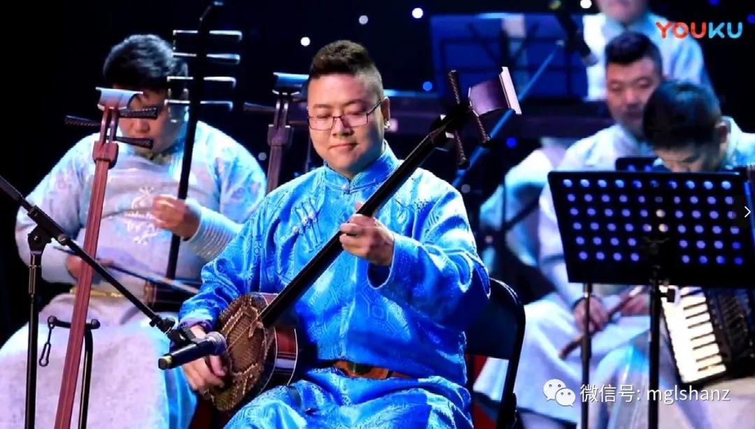三弦丨阿拉腾苏和三弦独奏音乐会(二)《毛尼乌拉》 第2张 三弦丨阿拉腾苏和三弦独奏音乐会(二)《毛尼乌拉》 蒙古音乐