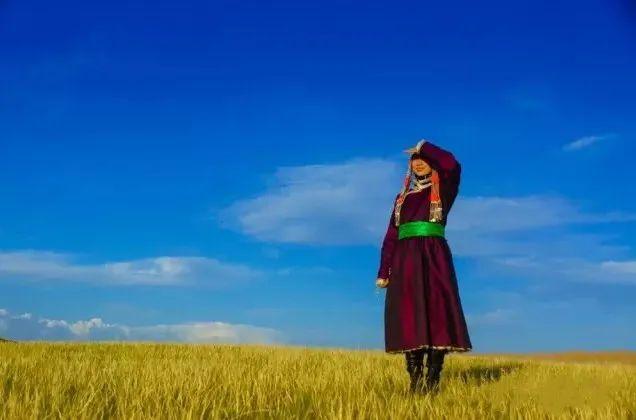 乌拉特蒙古族服饰(民俗) 第2张 乌拉特蒙古族服饰(民俗) 蒙古服饰