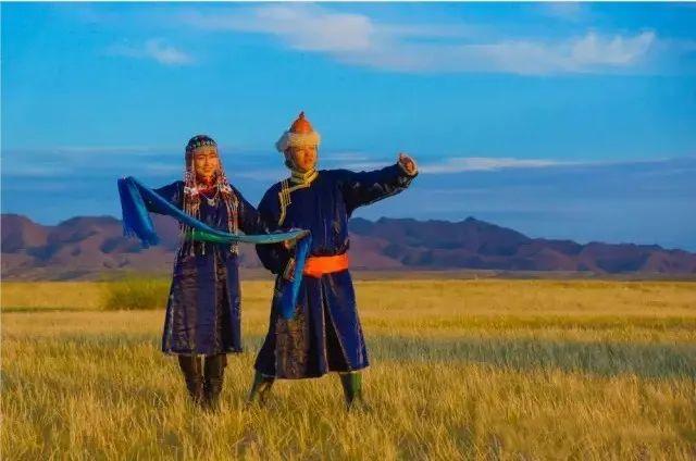 乌拉特蒙古族服饰(民俗) 第3张 乌拉特蒙古族服饰(民俗) 蒙古服饰