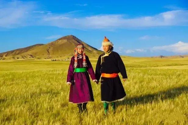 乌拉特蒙古族服饰(民俗) 第4张 乌拉特蒙古族服饰(民俗) 蒙古服饰