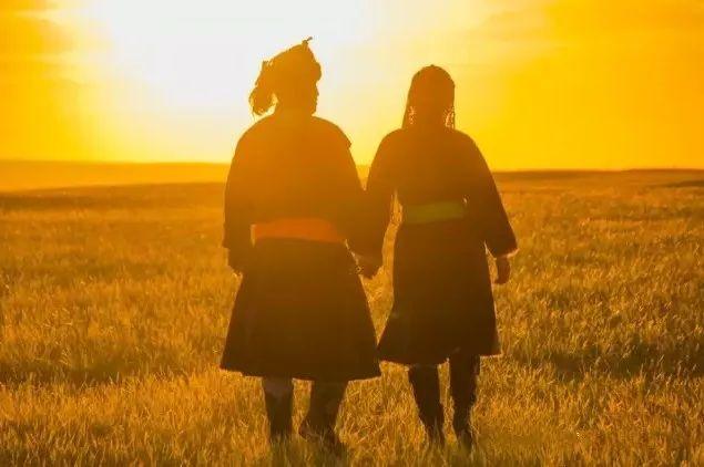 乌拉特蒙古族服饰(民俗) 第6张 乌拉特蒙古族服饰(民俗) 蒙古服饰
