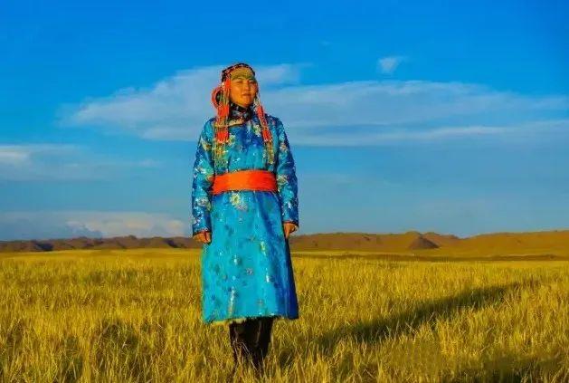 乌拉特蒙古族服饰(民俗) 第7张 乌拉特蒙古族服饰(民俗) 蒙古服饰