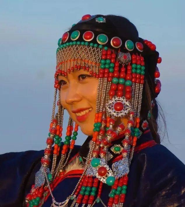 乌拉特蒙古族服饰(民俗) 第8张 乌拉特蒙古族服饰(民俗) 蒙古服饰