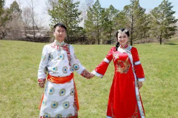 达斡尔族的服饰、文化 第4张 达斡尔族的服饰、文化 蒙古服饰