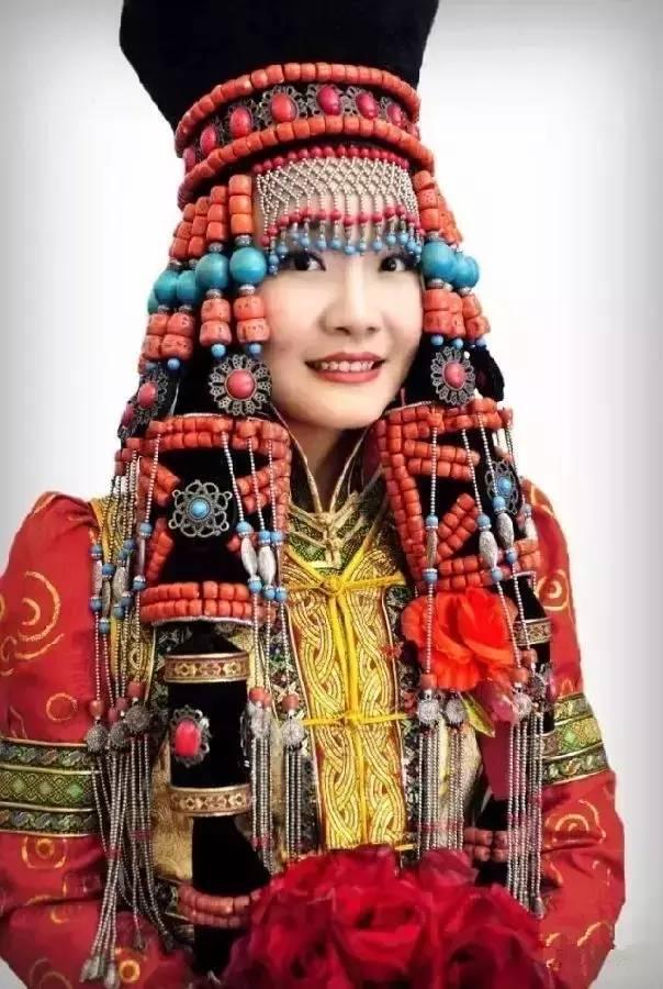 蒙古族姑娘婚礼头饰 第1张 蒙古族姑娘婚礼头饰 蒙古工艺