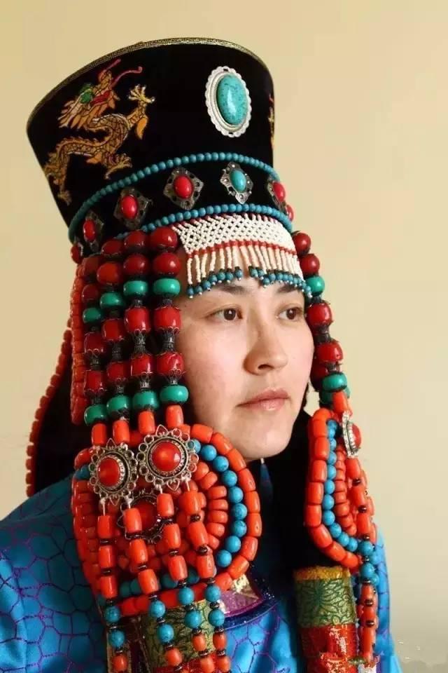 蒙古族姑娘婚礼头饰 第6张 蒙古族姑娘婚礼头饰 蒙古工艺