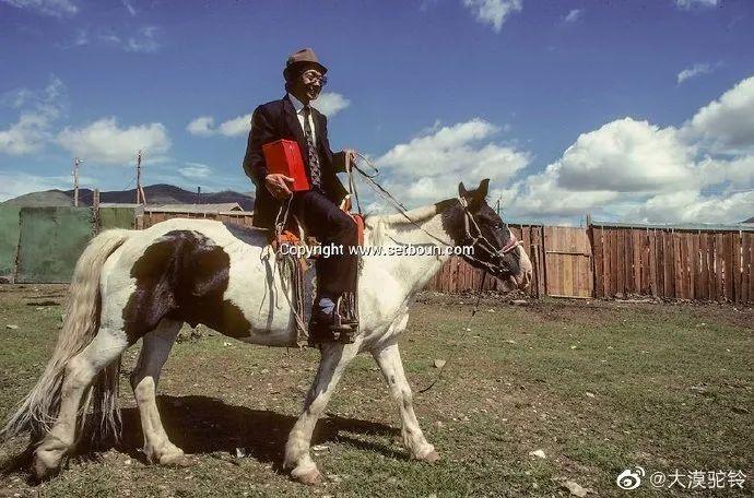 法国摄影师拍的蒙古国第一届民主选举 - 蒙古人在新社会的门槛上 第5张