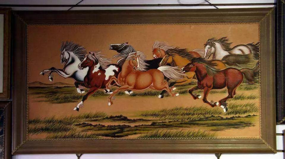 内蒙古民俗文化——内蒙古牛皮画 第1张