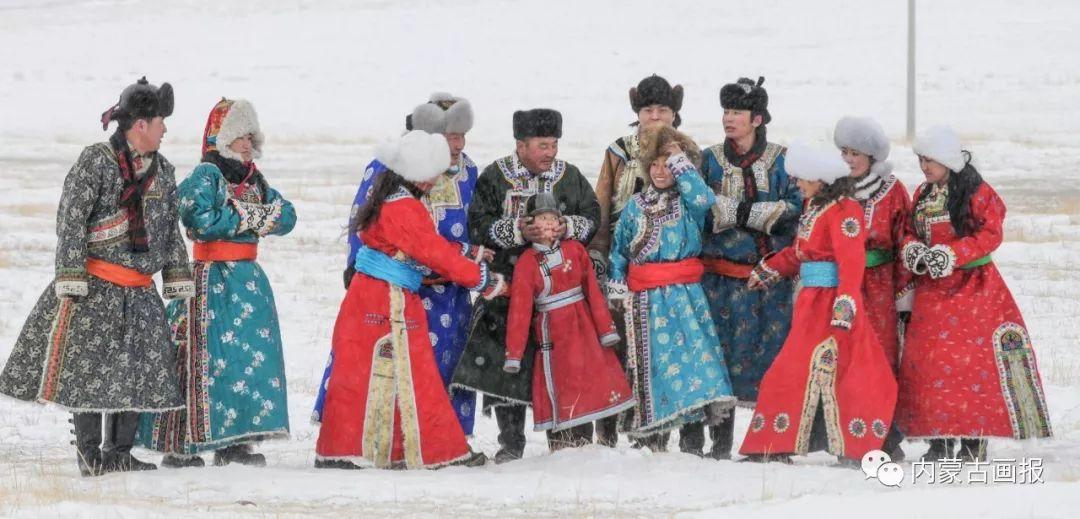 寒冷冬日,蒙古族是这样防寒的! 第1张 寒冷冬日,蒙古族是这样防寒的! 蒙古服饰
